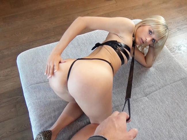 Sex-Sklavin! Schmerzhaft in den Arsch gefickt!